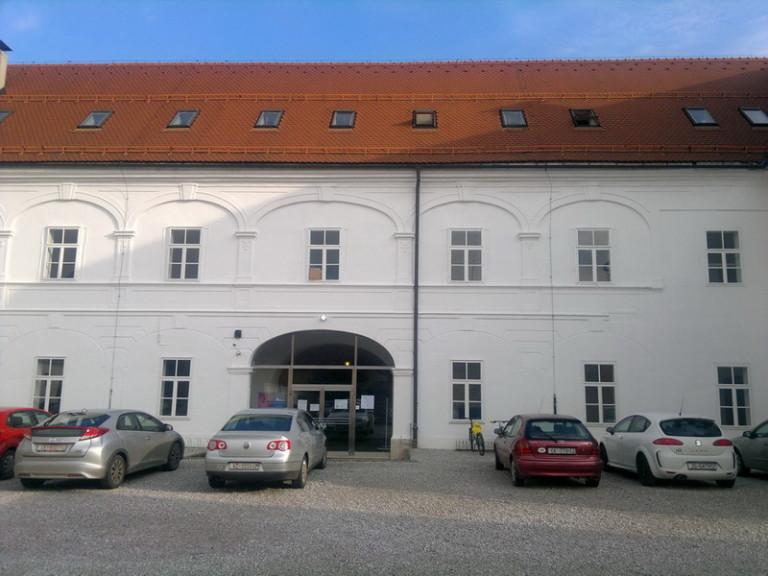 Glazbena škola Varaždin – uređenje unutrašnje fasade